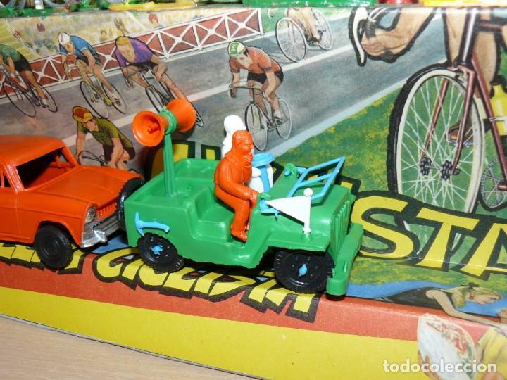 Figuras de Goma y PVC: Caja Vuelta Ciclista Mariano Sotorres FIRMADA por Roberto HERAS y Manolo SAIZ en el 2006 Tour Giro - Foto 9 - 168609500