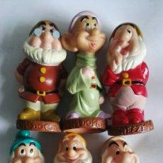 Figuras de Goma y PVC: ANTIGUOS MUÑECOS DE GOMA LOS SIETE ENANITOS, FALTA UNO. Lote 168647145