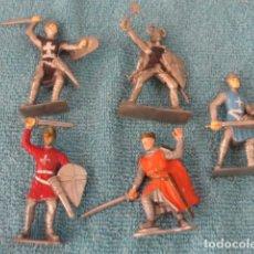 Figuras de Goma y PVC: LOTE 5 SOLDADOS MEDIEVALES PVC GOMA. Lote 168698604