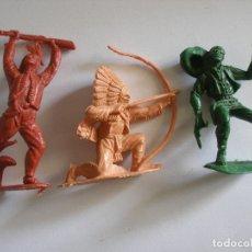Figuras de Goma y PVC: GUERREROS INDIOS Y VAQUERO PLÁSTICO MONOCOLOR COMANSI REAMSA AÑOS 70. Lote 139826050
