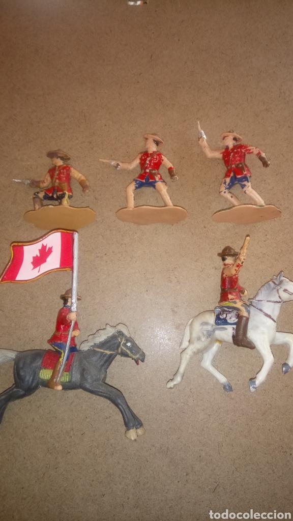 Figuras de Goma y PVC: LOTE DE 5 FIGURAS DE REAMSA. REAL POLICÍA MONTADA DEL CANADÁ. - Foto 2 - 168768653