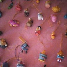 Figuras de Goma y PVC: LOTE DE 40 JUGUETES KINDER SORPRESA COLGANTES MOVIL WINNIE DE POOH Y OTROS. Lote 168890508