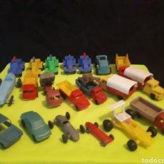Figuras de Goma y PVC: MONTAPLEX SURTIDO DE 20 UNID TRACTORES Y VEHÍCULOS SEAT PORSCHE RENAULT BMW Y CAMIONES!!. Lote 168954228