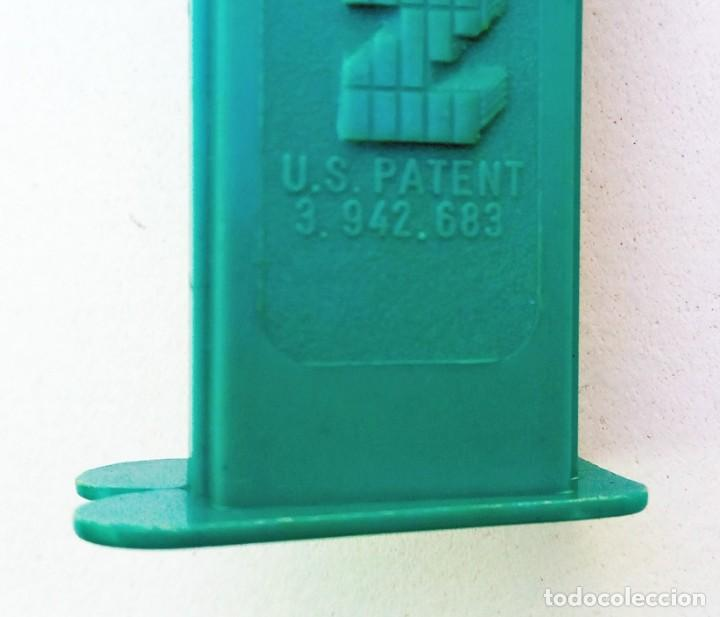 Dispensador Pez: DISPENSADOR PEZ - PITUFO - 1986 - U.S. PATENT 3.942.683 - Foto 4 - 168963572
