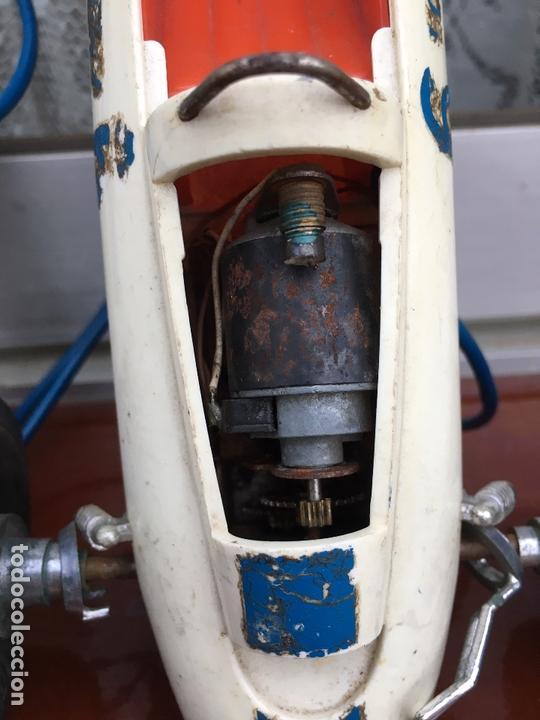 Figuras de Goma y PVC: Coche de carreras LOTUS marca Gama - Foto 3 - 169360080
