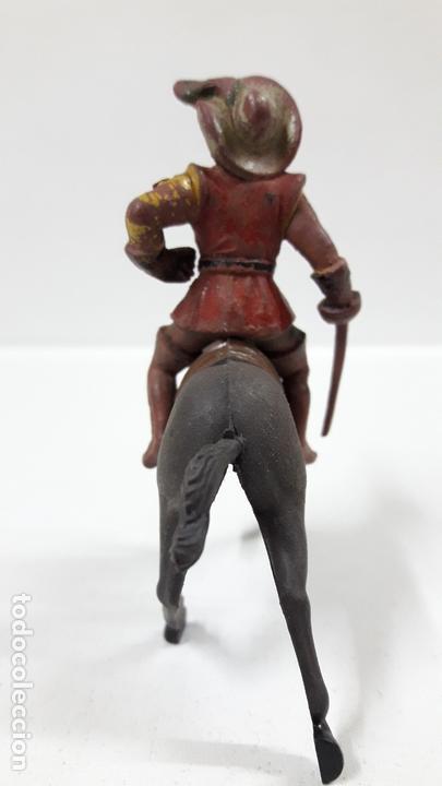 Figuras de Goma y PVC: MOSQUETERO . REALIZADO POR REAMSA . SERIE MOSQUETEROS . AÑOS 50 EN GOMA . CABALLO NO INCLUIDO - Foto 4 - 169712532