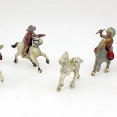 Figuras de Goma y PVC: INDIOS Y AMERICANOS - ALCA CAPELL - 45MM - GOMA - LOTE DE FIGURAS: VAQUEROS, INDIOS Y CABALLOS. Lote 169944196