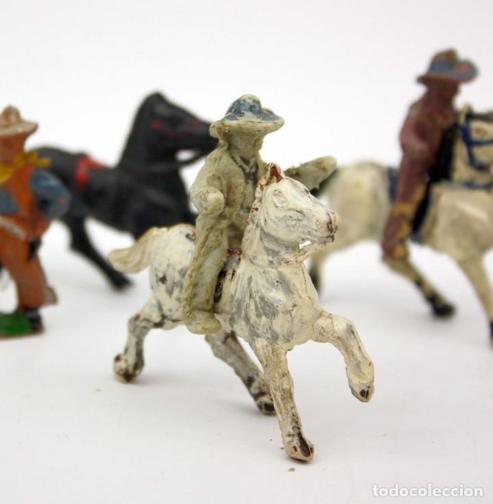 Figuras de Goma y PVC: INDIOS Y AMERICANOS - ALCA CAPELL - 45mm - GOMA - LOTE DE FIGURAS: VAQUEROS, INDIOS Y CABALLOS - Foto 5 - 169944196