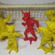 Figurines en Caoutchouc et PVC: LOTE 5 FIGURAS DE PLÁSTICO + PORTERIA, ANIMALES FUTBOLISTAS, LAFREDO?? RESERVADO. Lote 170405500