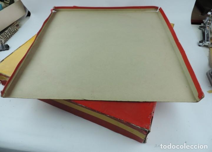 Figuras de Goma y PVC: PLAZA DE TOROS DE TEIXIDO CON 15 FIGURAS DE GOMA, TORERO, MOZO, TORO, ETC.., LA CAJA ES LA MAS GRAN - Foto 11 - 170488744