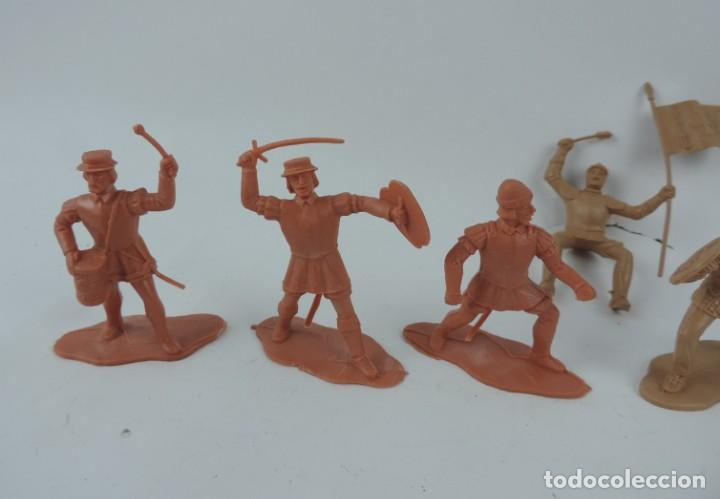 Figuras de Goma y PVC: 7 FIGURAS DE REAMSA, SERIE HERNÁN CORTÉS, CONQUISTADORES Y AZTECAS, REALIZADOS EN PLASTICO, MIDEN 8 - Foto 3 - 170495440