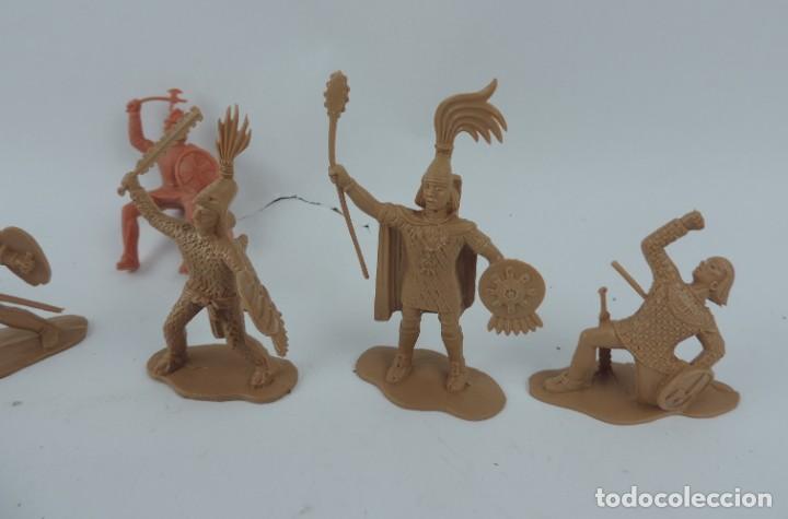 Figuras de Goma y PVC: 7 FIGURAS DE REAMSA, SERIE HERNÁN CORTÉS, CONQUISTADORES Y AZTECAS, REALIZADOS EN PLASTICO, MIDEN 8 - Foto 2 - 170495520