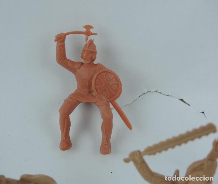 Figuras de Goma y PVC: 7 FIGURAS DE REAMSA, SERIE HERNÁN CORTÉS, CONQUISTADORES Y AZTECAS, REALIZADOS EN PLASTICO, MIDEN 8 - Foto 4 - 170495520