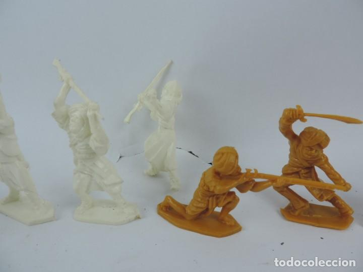 Figuras de Goma y PVC: 10 FIGURAS DE PLASTICO DEL EJERCITO INDIO, EN LA BASE HARVEY SERIES, LONE STAR, MADE IN GREAT BRITAI - Foto 3 - 170504072