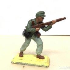 Figuras de Borracha e PVC: FIGURA MILITAR ALEMAN BRITAINS AFRICA KORPS NO PECH COMANSI SOLDADOS DEL MUNDO . Lote 170552764