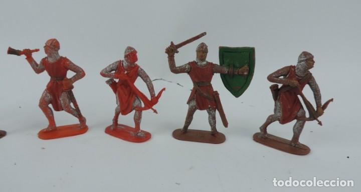 Figuras de Goma y PVC: 7 FIGURAS MEDIEVALES REALIZADAS EN PLASTICO, CRUZADOS, JECSAN, REAMSA?, MIDE 7 CMS DE ALTO. - Foto 3 - 170581910