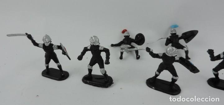 Figuras de Goma y PVC: 7 FIGURAS DE MEDIEVALES REALIZADOS EN GOMA, MADE IN CHINA, MIDEN 6 CMS. - Foto 2 - 170586750