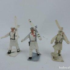 Figuras de Goma y PVC: 3 FIGURAS DE ESQUIADORES DE DESFILE DE GOMARSA, REAMSA, SOLDIS SON ESQUIADORES BLANCOS.. Lote 170624305