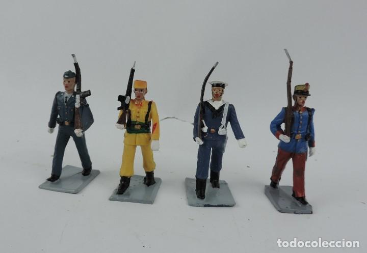 4 FIGURAS DE GUARDIA REAL, AVIACION, REGULAR, MARINA, GOMARSA, REAMSA, SOLDIS. (Juguetes - Figuras de Goma y Pvc - Reamsa y Gomarsa)
