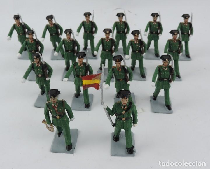 17 SOLDADOS DEL DESFILE DE LA GUARDIA CIVIL, REAMSA, GOMARSA, SOLDIS 70. REALIZADOS EN PLASTICO. (Juguetes - Figuras de Goma y Pvc - Reamsa y Gomarsa)