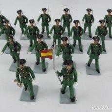 Figuras de Goma y PVC: 17 SOLDADOS DEL DESFILE DE LA GUARDIA CIVIL, REAMSA, GOMARSA, SOLDIS 70. REALIZADOS EN PLASTICO.. Lote 170663850