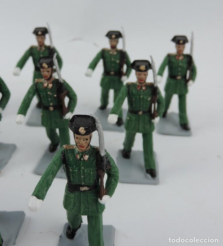 Figuras de Goma y PVC: 17 SOLDADOS DEL DESFILE DE LA GUARDIA CIVIL, REAMSA, GOMARSA, SOLDIS 70. REALIZADOS EN PLASTICO. - Foto 3 - 170663850