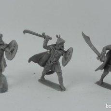 Figuras de Goma y PVC: 3 SARRACENOS DE PECH, MORO, MUSULMAN, REALIZADOS EN PLASTICO, MONOCOLOR. MIDE 7 CMS.. Lote 170708625