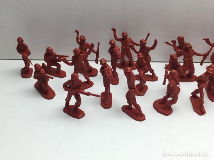 Figuras de Goma y PVC: LOTE SOLDADOS DE PLASTICO MILITAR AÑOS 70 - Foto 2 - 171011634