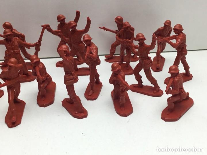 Figuras de Goma y PVC: LOTE SOLDADOS DE PLASTICO MILITAR AÑOS 70 - Foto 4 - 171011634