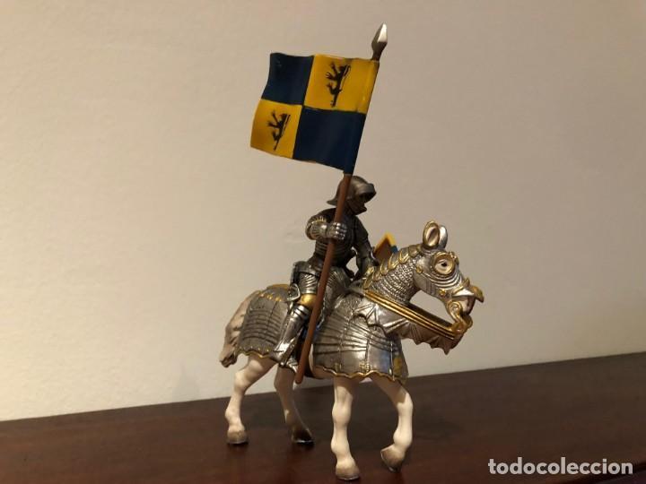 Figuras de Goma y PVC: Schleich. Caballero medieval. abanderado - Foto 3 - 171064600