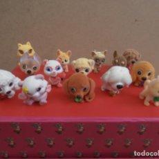 Figuras de Goma y PVC: LOTE ANIMALES TERCIOPELO -- GATOS - PERROS. Lote 171247572