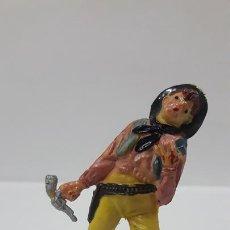 Figuras de Goma y PVC: VAQUERO - COWBOY HERIDO . REALIZADO POR TEIXIDO . AÑOS 50 EN GOMA. Lote 171428339