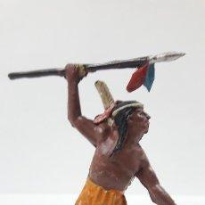 Figuras de Goma y PVC: GUERRERO INDIO CON LANZA . REALIZADO POR TEIXIDO . AÑOS 50 EN GOMA. Lote 171452972