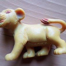 Figuras de Goma y PVC: FIGURA GOMA REY LEÓN COMANSI AÑOS 80. Lote 171629698