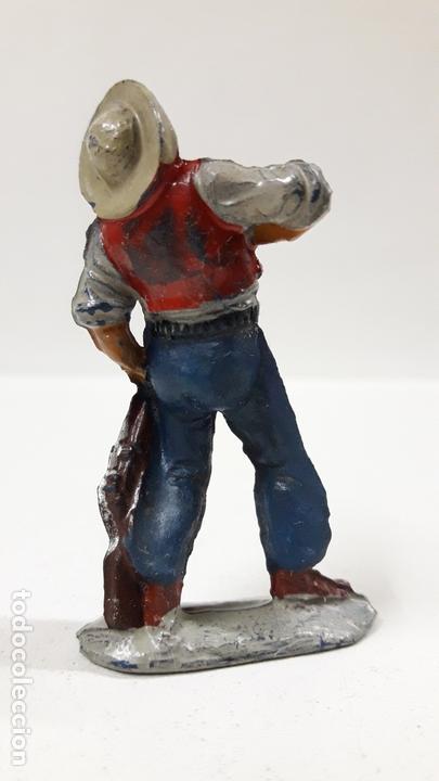 Figuras de Goma y PVC: VAQUERO - COWBOY HERIDO . REALIZADO POR PECH . AÑSO 50 EN GOMA - Foto 2 - 171648609