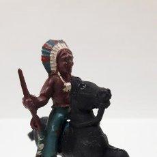 Figuras de Goma y PVC: GUERRERO INDIO A CABALLO . POSIBLEMENTE REALIZADO POR CAPELL . AÑOS 50 EN GOMA . ALTURA 5,5 CM. Lote 171732043