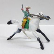 Figuras de Goma y PVC: VAQUERO - COWBOY A CABALLO . REALIZADO POR M. SOTORES . AÑOS 60. Lote 172019248