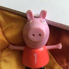 Figuras de Goma y PVC: PEPPA PIG ASTLEY BAKER. Lote 172085318