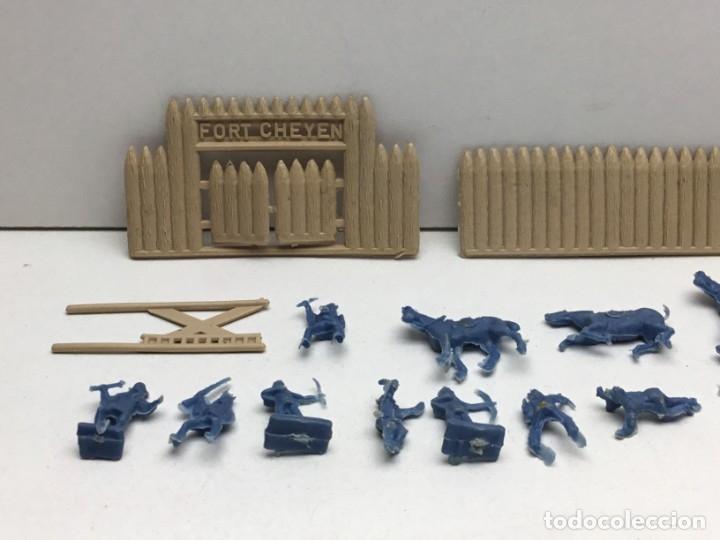 Figuras de Goma y PVC: LOTE FIGURAS DE GOMA - FOTOKEKI - MONTAPLEX - DILIGENCIA WELLSS-FARGO - FORT CHEYEN - AÑOS 70 - Foto 2 - 172269909