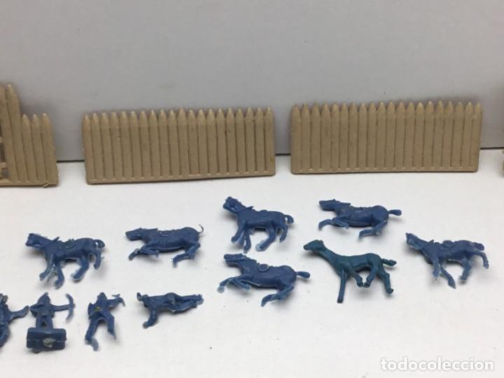Figuras de Goma y PVC: LOTE FIGURAS DE GOMA - FOTOKEKI - MONTAPLEX - DILIGENCIA WELLSS-FARGO - FORT CHEYEN - AÑOS 70 - Foto 3 - 172269909