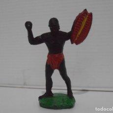 Figuras de Goma y PVC: FIGURA GUERRERO AFRICANO CON ESCUDO, MAIRZA. Lote 172367422