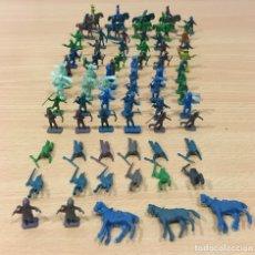 Figuras de Goma y PVC: GRAN LOTE DE 83 PIEZAS DEL OESTE AMERICANO - INDIOS Y VAQUEROS, DE MONTAPLEX. Lote 172629380