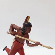 Figuras de Goma y PVC: GUERRERO INDIO CON LANZA . REALIZADO POR GAMA . AÑOS 50. Lote 172667724