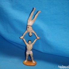 Figuras de Goma y PVC: PAREJA DE FORZUDOS EQUILIBRISTAS DEL CIRCO JECSAN , EN GOMA AÑOS 60. Lote 172848613