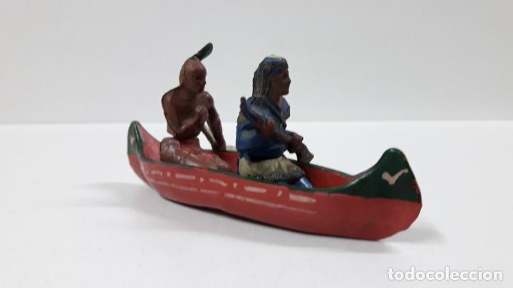 Figuras de Goma y PVC: CANOA INDIA CON REMERO Y EXPLORADOR . REALIZADA POR GAMA . AÑOS 50 EN GOMA - Foto 3 - 172874535