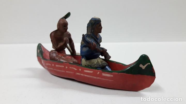 Figuras de Goma y PVC: CANOA INDIA CON REMERO Y EXPLORADOR . REALIZADA POR GAMA . AÑOS 50 EN GOMA - Foto 4 - 172874535
