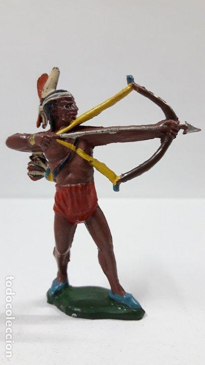 GUERRERO INDIO CON ARCO . REALIZADO POR TEIXIDO . AÑOS 50 EN GOMA (Juguetes - Figuras de Goma y Pvc - Teixido)