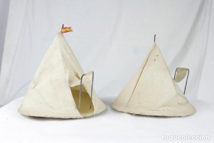 2 TIENDAS CIRCULARES -CAPELL- (Juguetes - Figuras de Goma y Pvc - Capell)