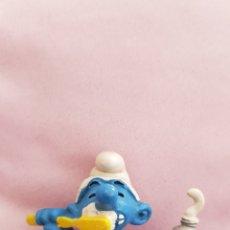 Figuras de Goma y PVC: FIGURA PITUFO CON PASTA DE DIENTES Y CEPILLO SCHLEICH PEYO 1979 PUFFO SMURFS SCHLUMPFE PUFFI PVC. Lote 173560324