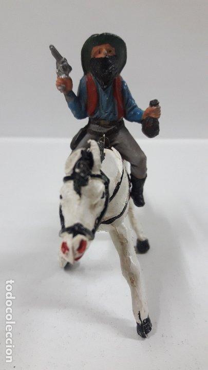 Figuras de Goma y PVC: VAQUERO BANDIDO A CABALLO . REALIZADO POR TEIXIDO . AÑOS 50 EN GOMA - Foto 3 - 173580157